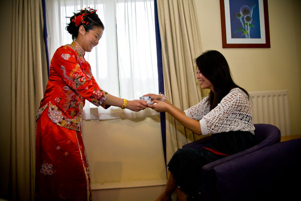 Second Chinese Tea Ceremony to greet Bridegroom's family