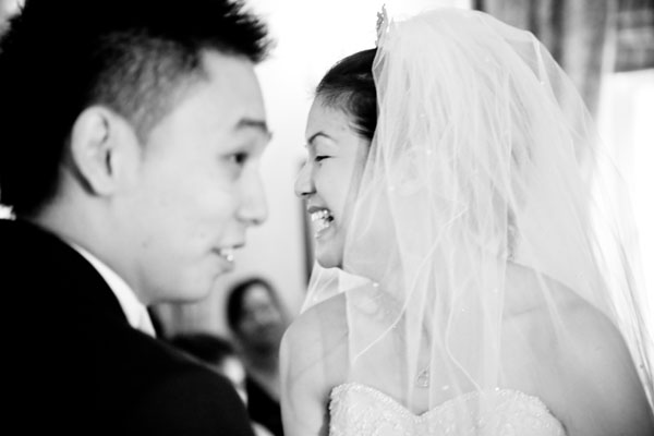 emotional Chinese wedding picture during vows