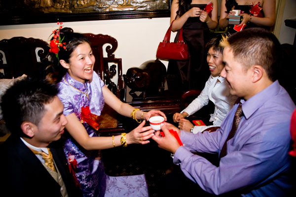 Chinese tea ceremony in Leeds with bride in lilac dress