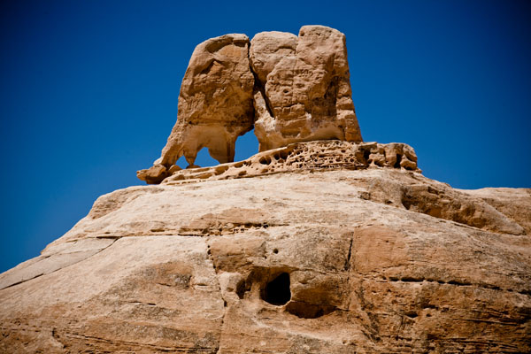 natural elephant rock sculpture in Petra Jordan