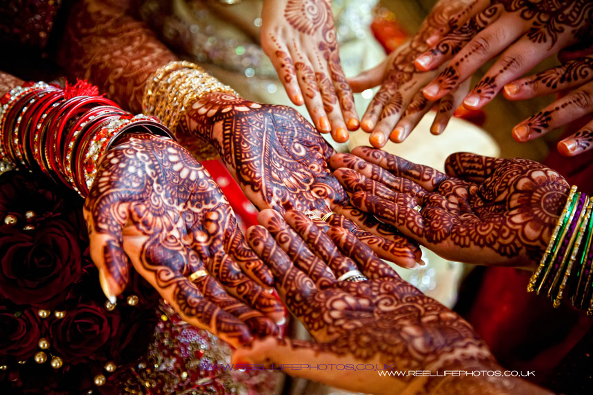 Asian Wedding photography: Hands decorated with Henna