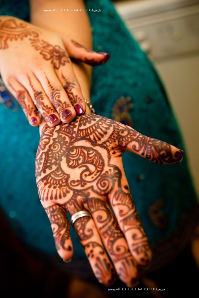 Hindu wedding henna Mehndi on hands