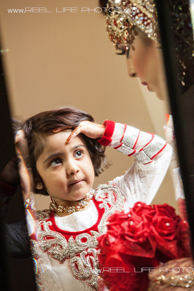 Asian wedding photography in UK and abroad.