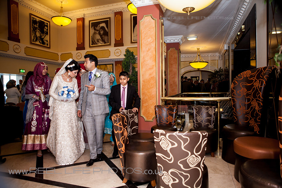 Natural Asian wedding pictures at Nawaab's