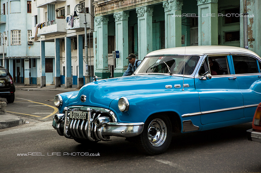 Old Amercian cars in Cuba