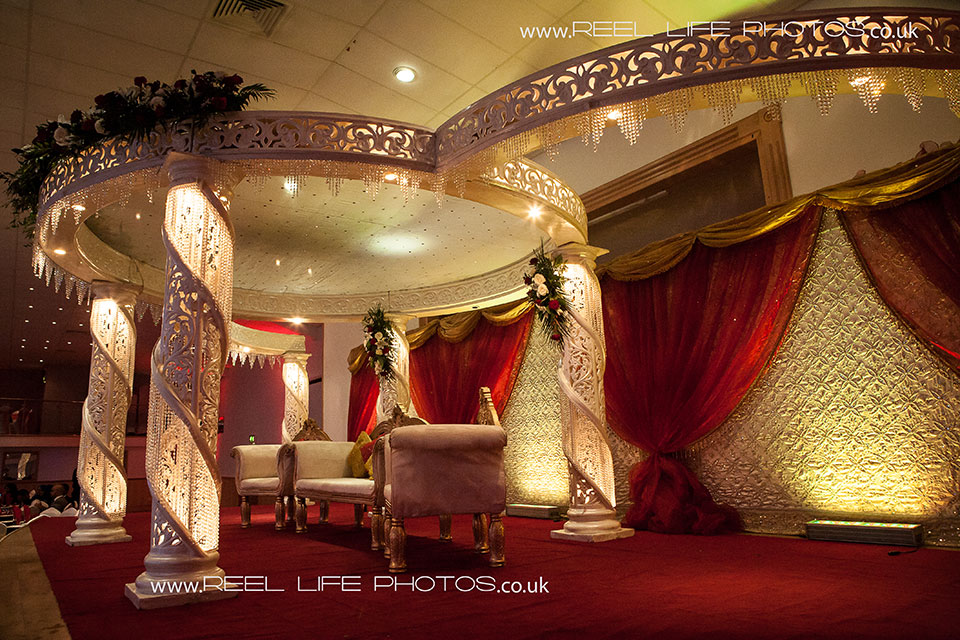 Bengali wedding stage in Leiceste - The Platinum Suite