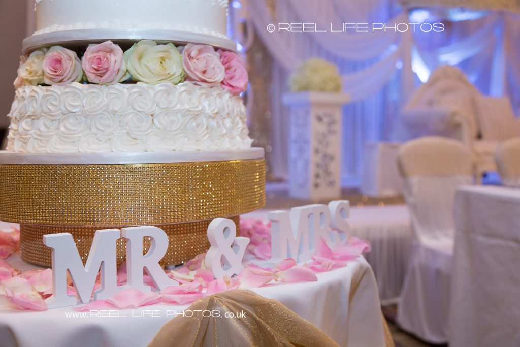 Wedding cake detail with Mr and Mrs sign