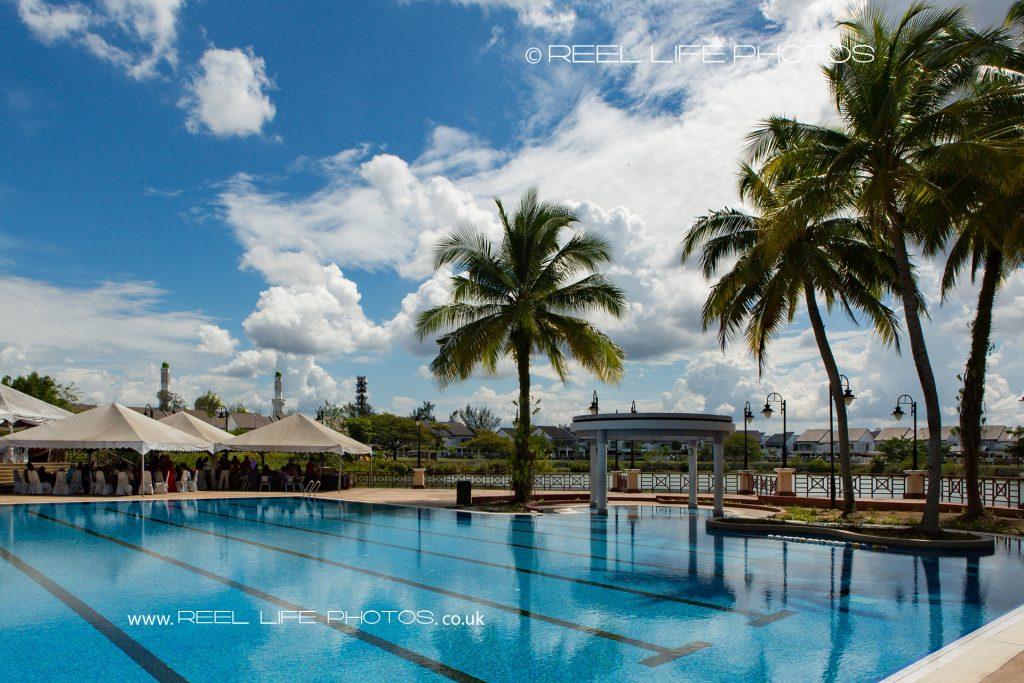 Kelab Bandar Laguna Merbok pool and palm tree wedding venue in Malaysia
