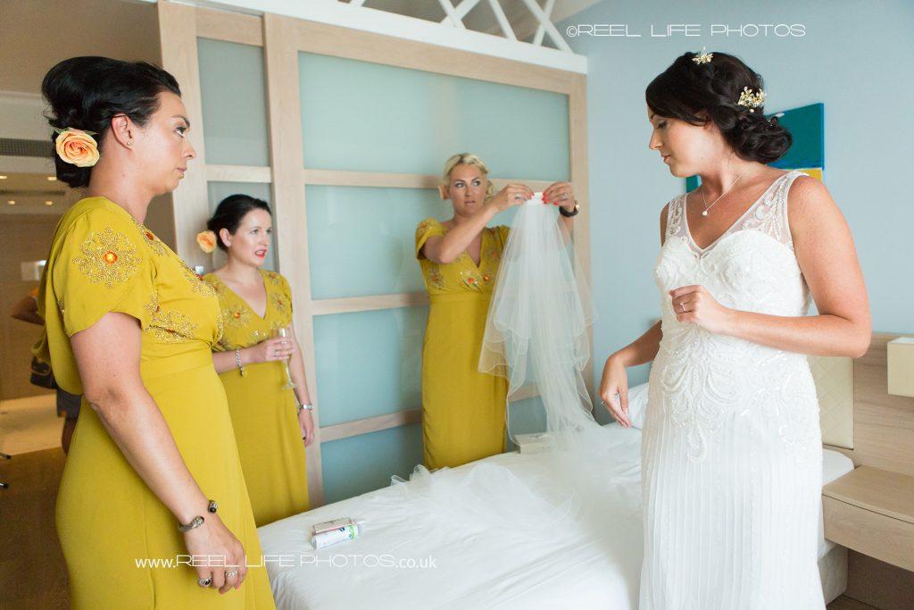 Natural wedding photoragaphy in Cyprus