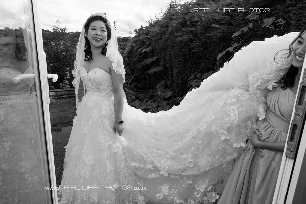 Chinese bride in black and white